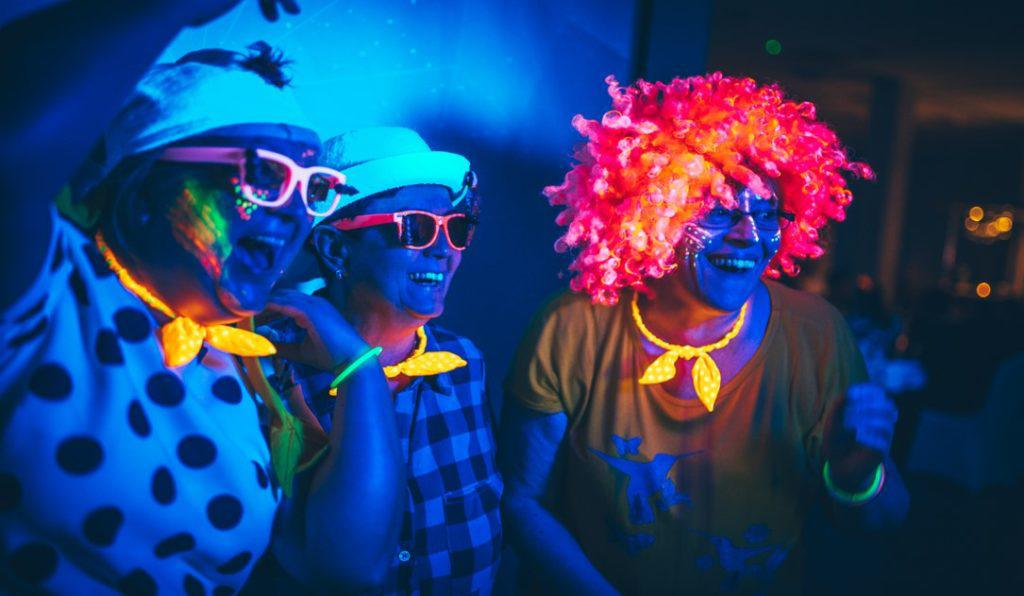 fluo clothes, fluo przebranie, fluo party