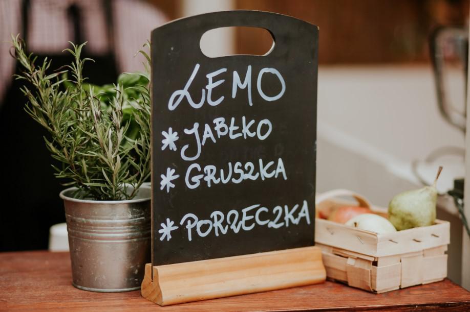 menu z sokami