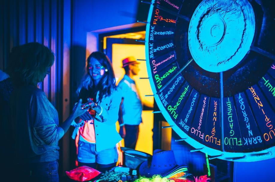 fluo koło fortuny, atrakcja na imprezę