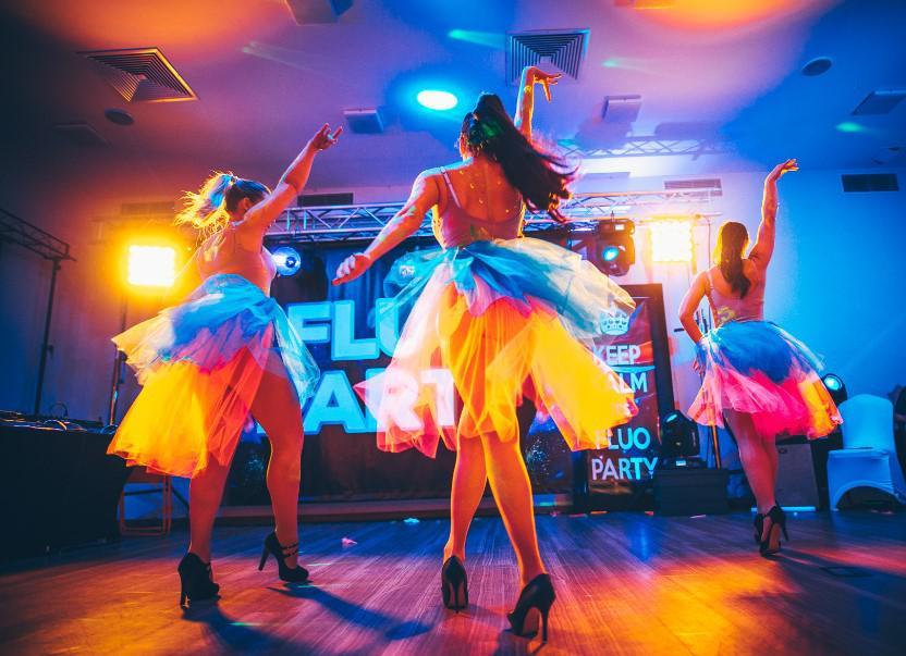 pokaz taneczny fluo party