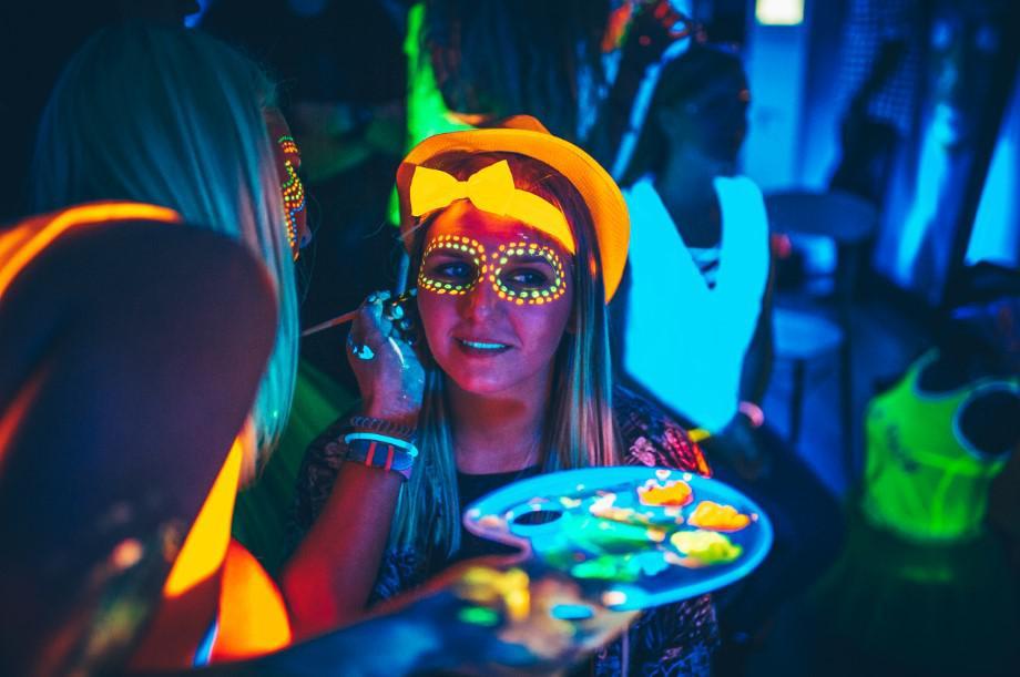 makijaż fluorescencyjny, make-up, fluo makijaż