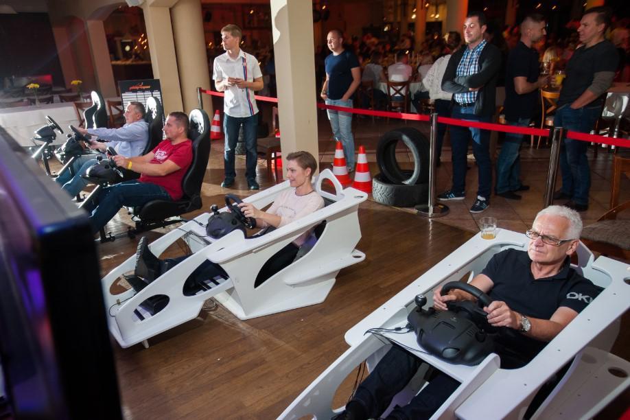symulator wyścigów, fast and furious party, impreza interacyjna