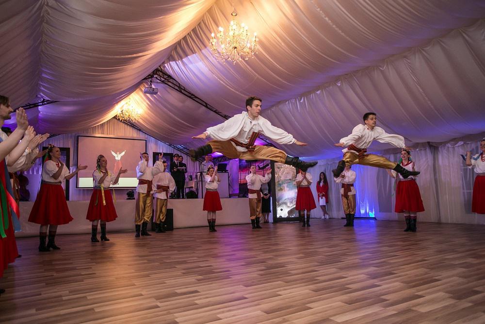 pokaz tańca, taniec ludowy, pokaz na evencie