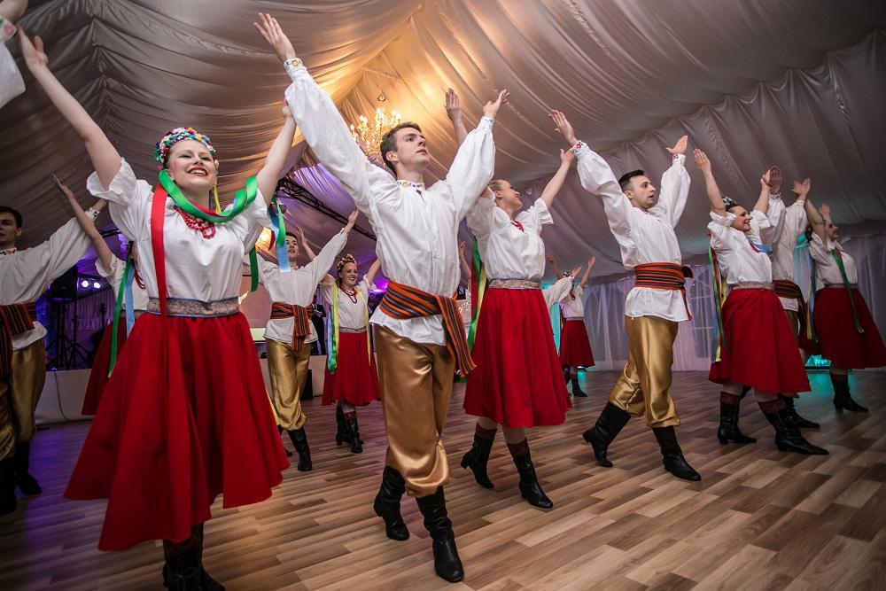 tańce ludowe, show na imprezie firmowej