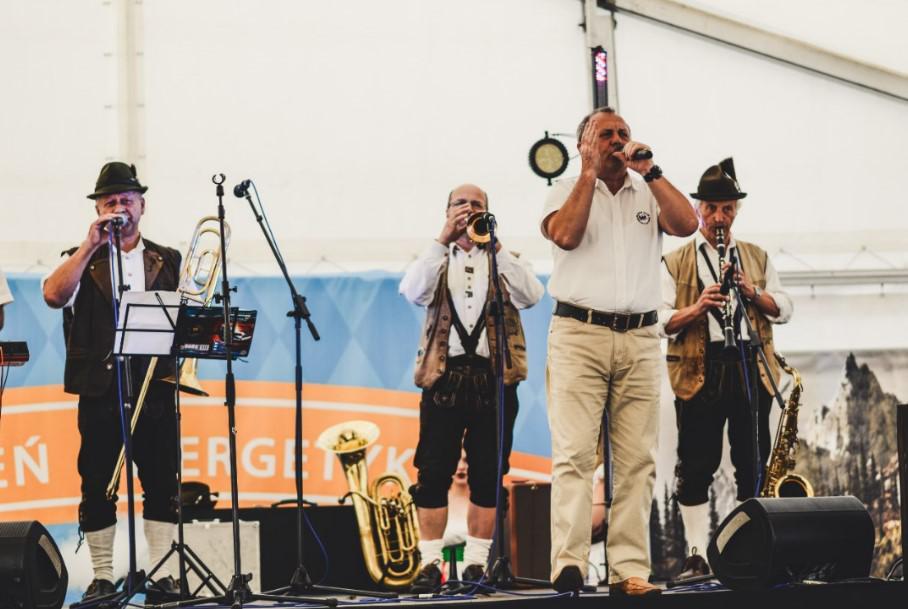 występ zespołu bawarskiego, event piwny