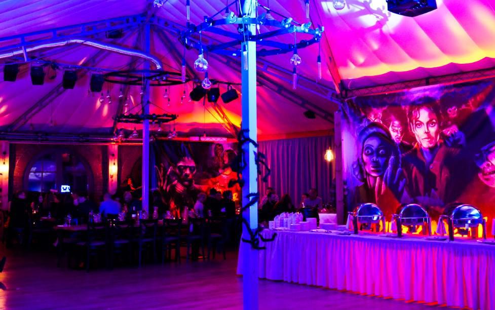 wieczór tematyczny firmowy, dekoracje, oświetlenie