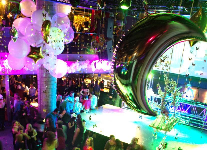 scena, dekoracje, retro party