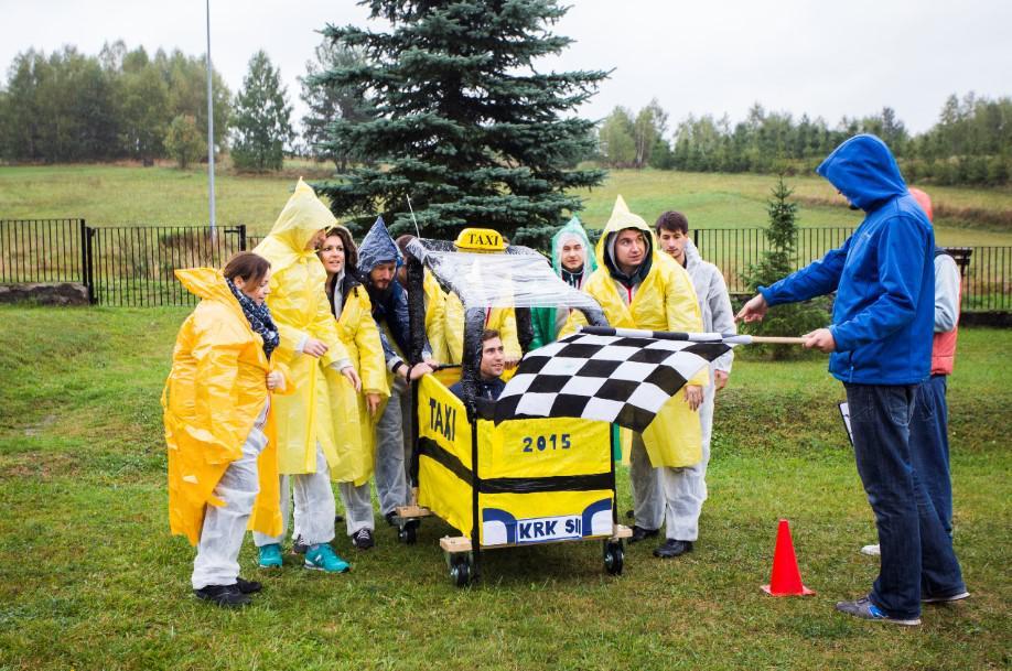 zabawa integracyjna, wyścig, gra dla pracowników