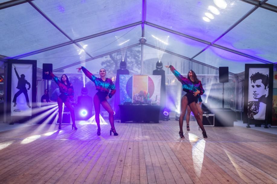 pokaz tańca na wydarzeniu firmowym