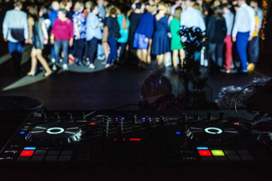 konsoleta DJ'ska, event dla ikei