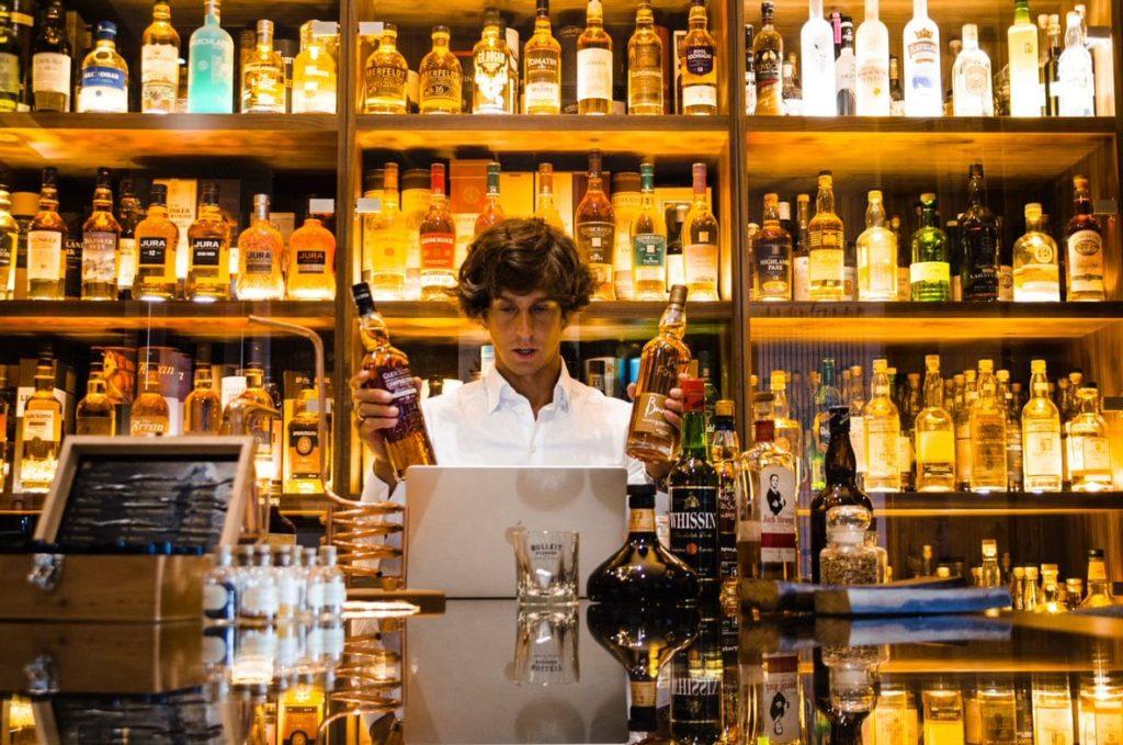 degustacja alkoholi na integracji online