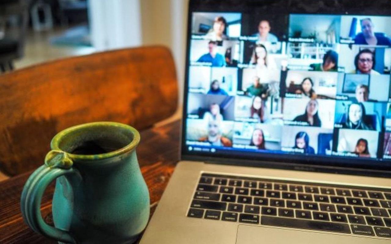 konferencja firmy prowadzona przez Internet