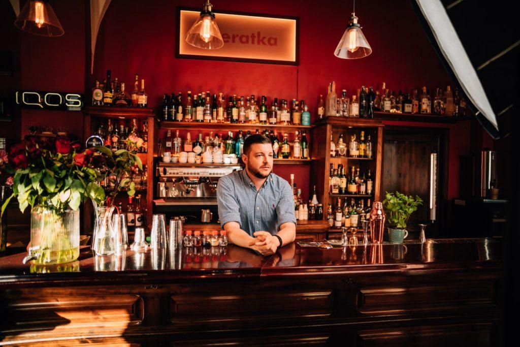 profesjonalny barman