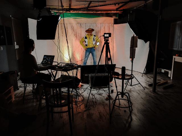 kowboj, animator, dzień dziecka przez internet