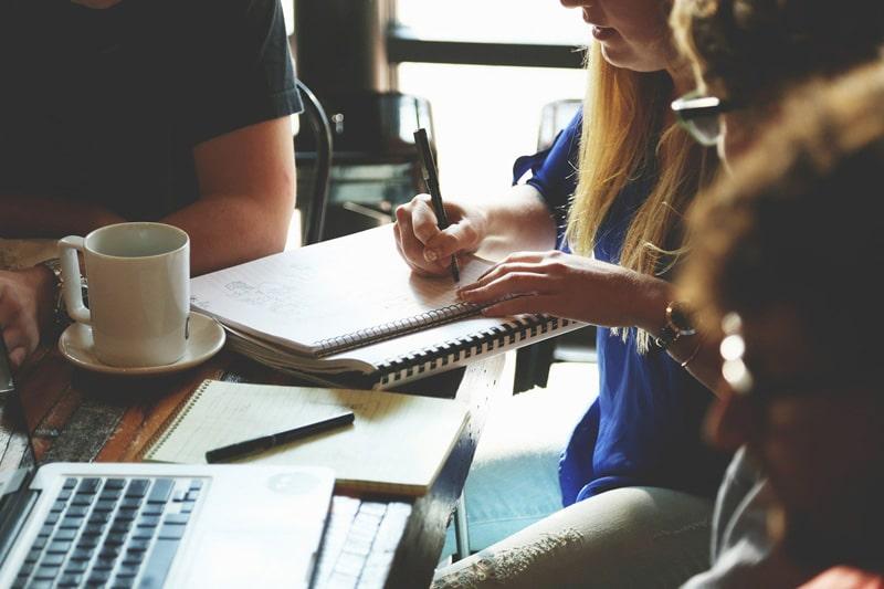 notatki, szkolenie firmowe dla pracowników