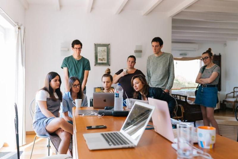 szkolnie pracowników w firmie