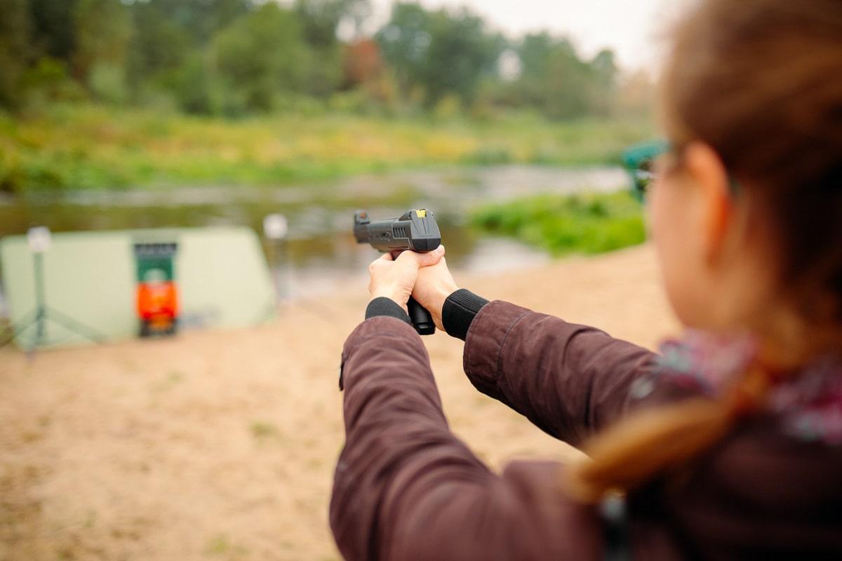 strzelnica na wyjeździe integracyjnym
