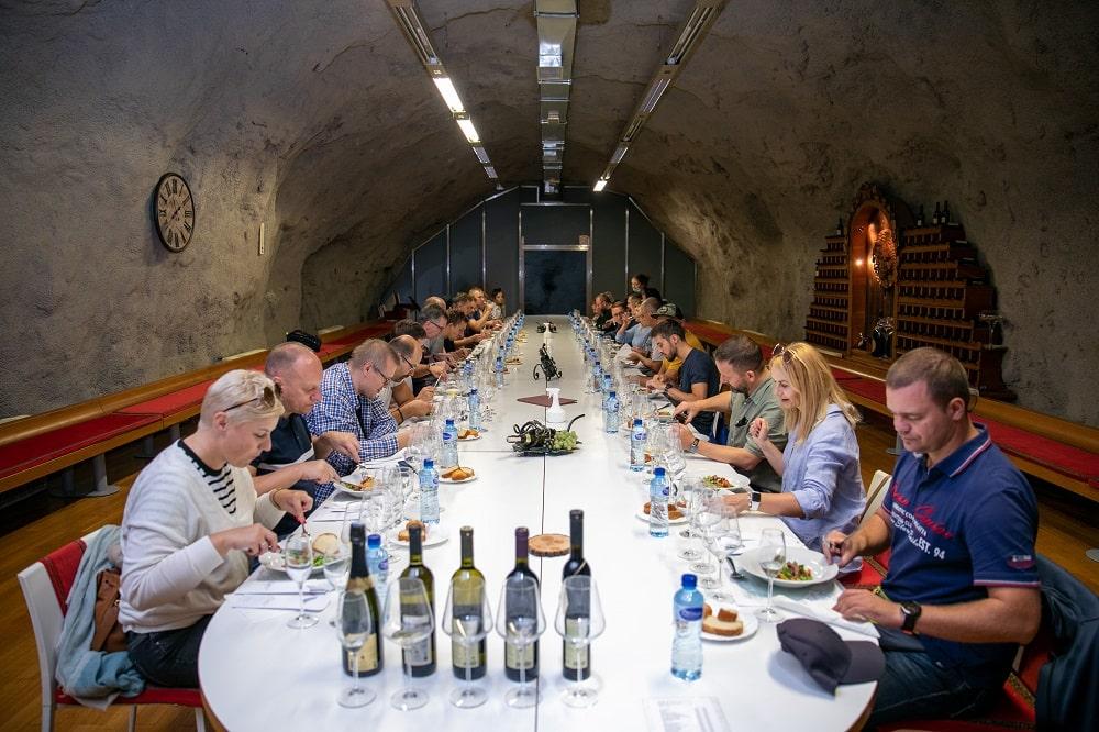 kolacja w winiarni, incentive w czarnogórze