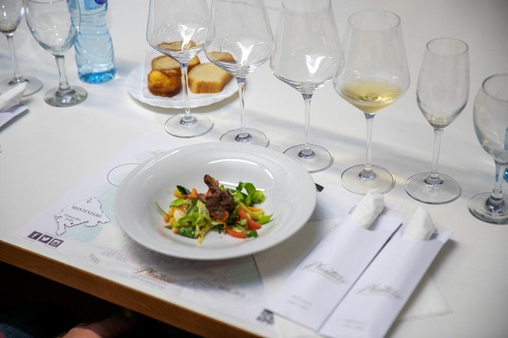 wyjazd incentive czarnogóra, kolacja w winiarni